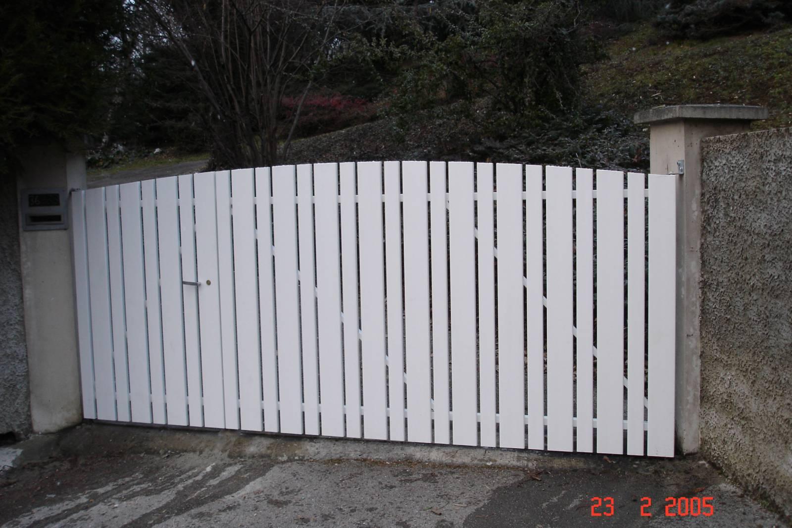 Fabrication de portail pvc sur ossature m tallique installation de cl ture en bois sur mesure for Fabricant de portail sur mesure